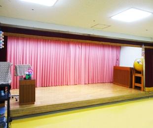舞台付き集会室1